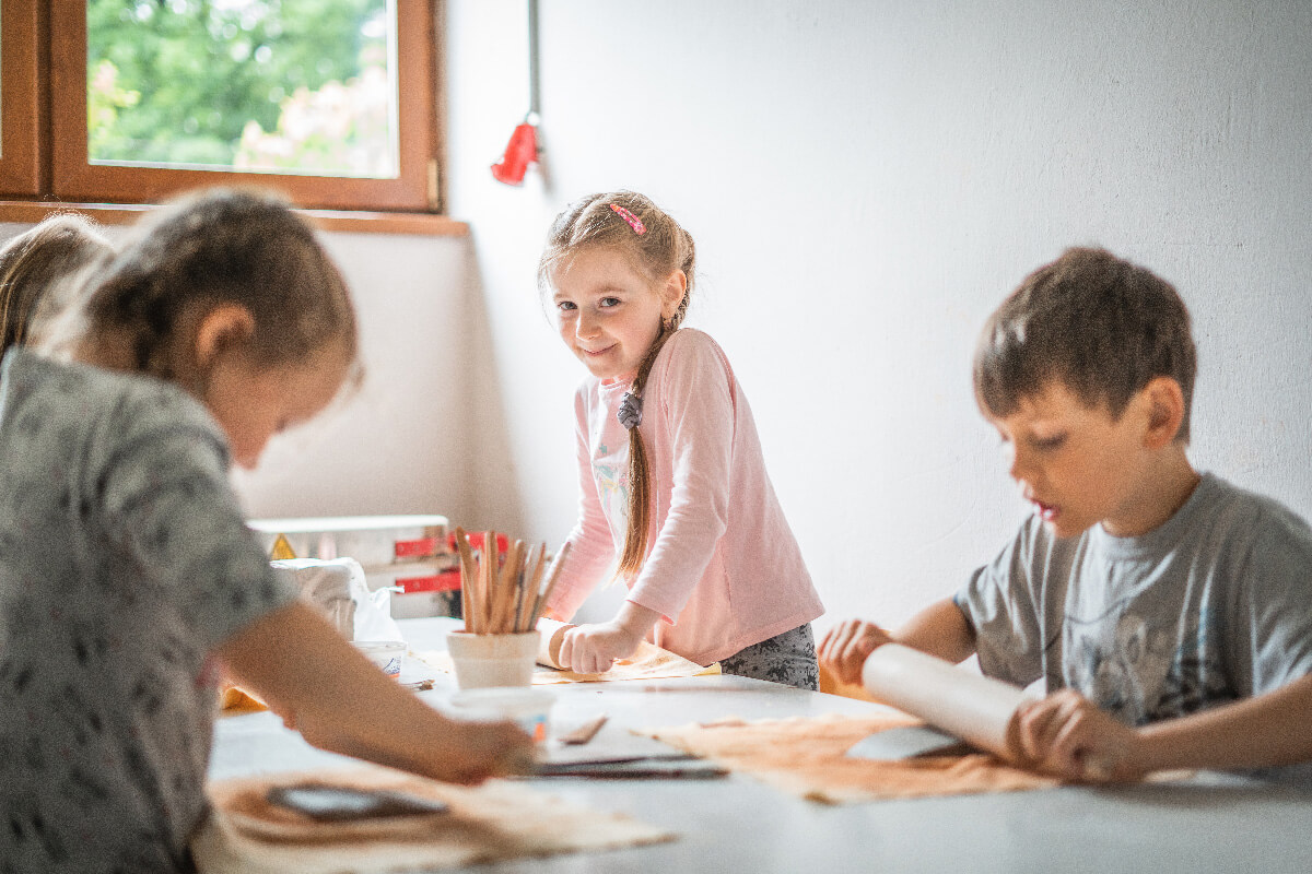 Děti na keramice