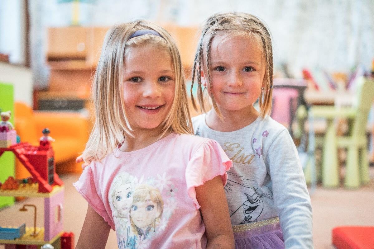 Fotografie dvou holčiček